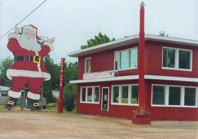 Lake Superior Roadside Attractions - Santa's Workshop