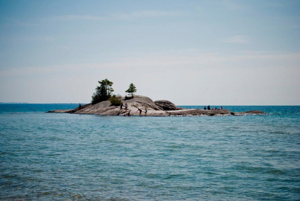 Lake Superior Natural Wonders - Bathtub Island