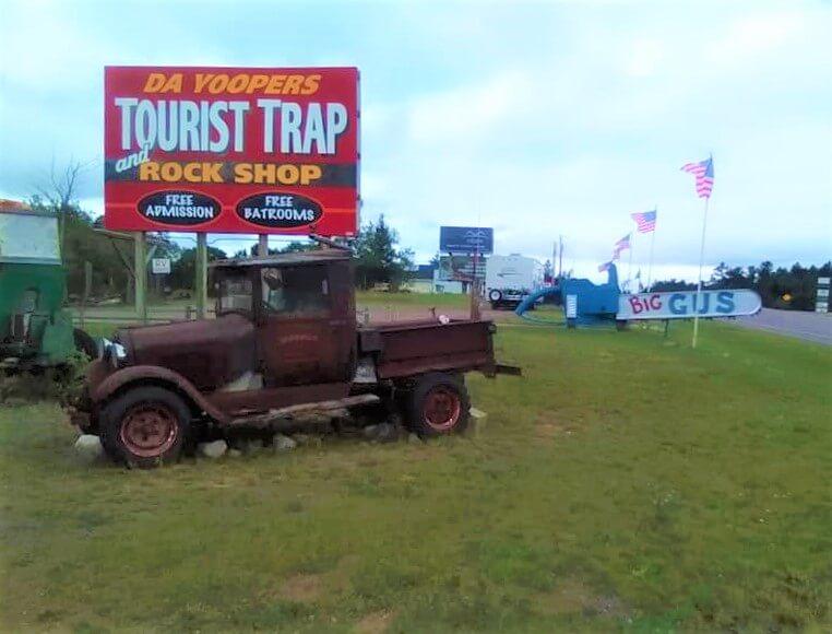 Lake Superior Roadside Attractions - Da Yoopers Tourist Trap