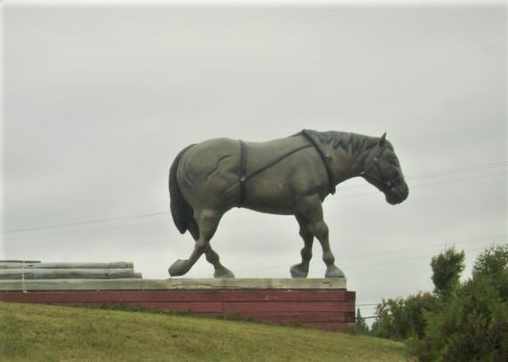 Lake Superior Roadside Attractions - Horse Pulling Logs