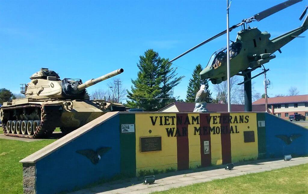 Lake Superior Roadside Attractions - Memorial Tanks and Helicopter